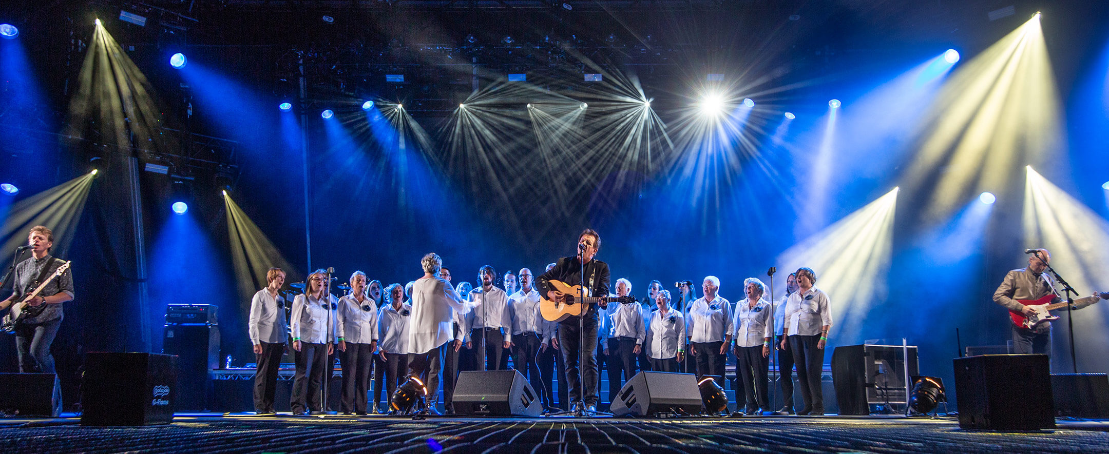 Glasgow Islay Gaelic Choir performing with Donnie Munro and Runrig at The Last Dance, August 2018.